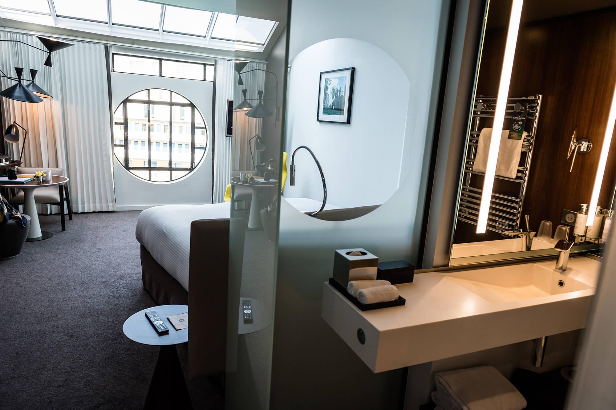 bienvenue molitor. Black Bedroom Furniture Sets. Home Design Ideas